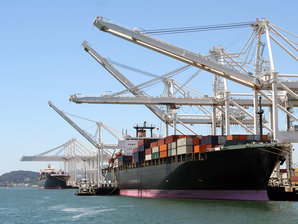 Conductix-Wampfler bietet Energie- und Datenübertragungssysteme für die Hafenindustrie